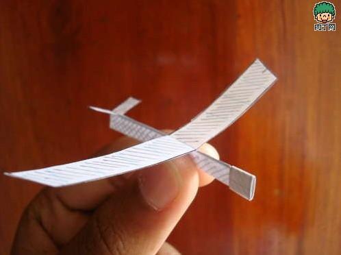 diy纸飞机 手工制作迷你滑翔机的教程图解