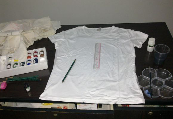 教你如何手绘衣服