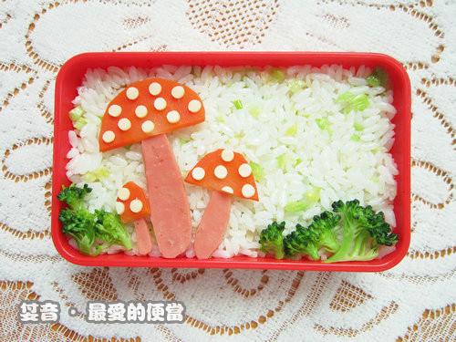 卡通蘑菇可爱便当