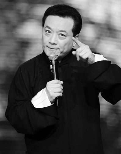 相声演员王平追悼会众星送行 好友蔡明泪洒现场
